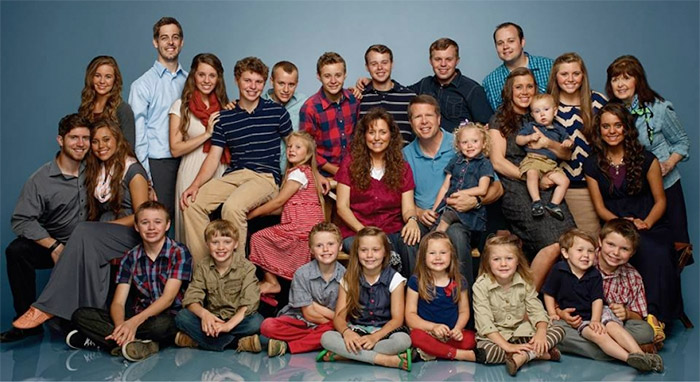 Duggar-Family-Photo-2015